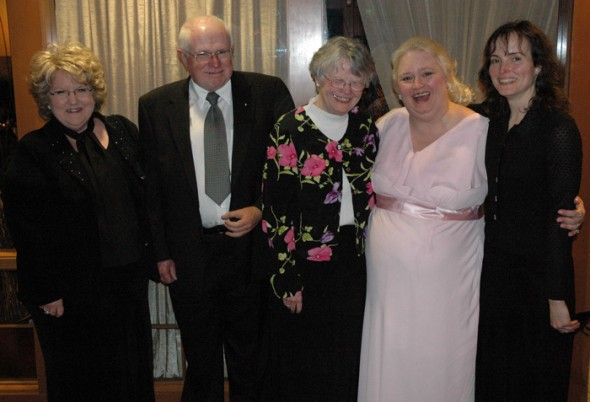 (L to R) Donna, Morris, Colleen, Lindy, Karen (aunt, uncle, mom, aunt, sister).